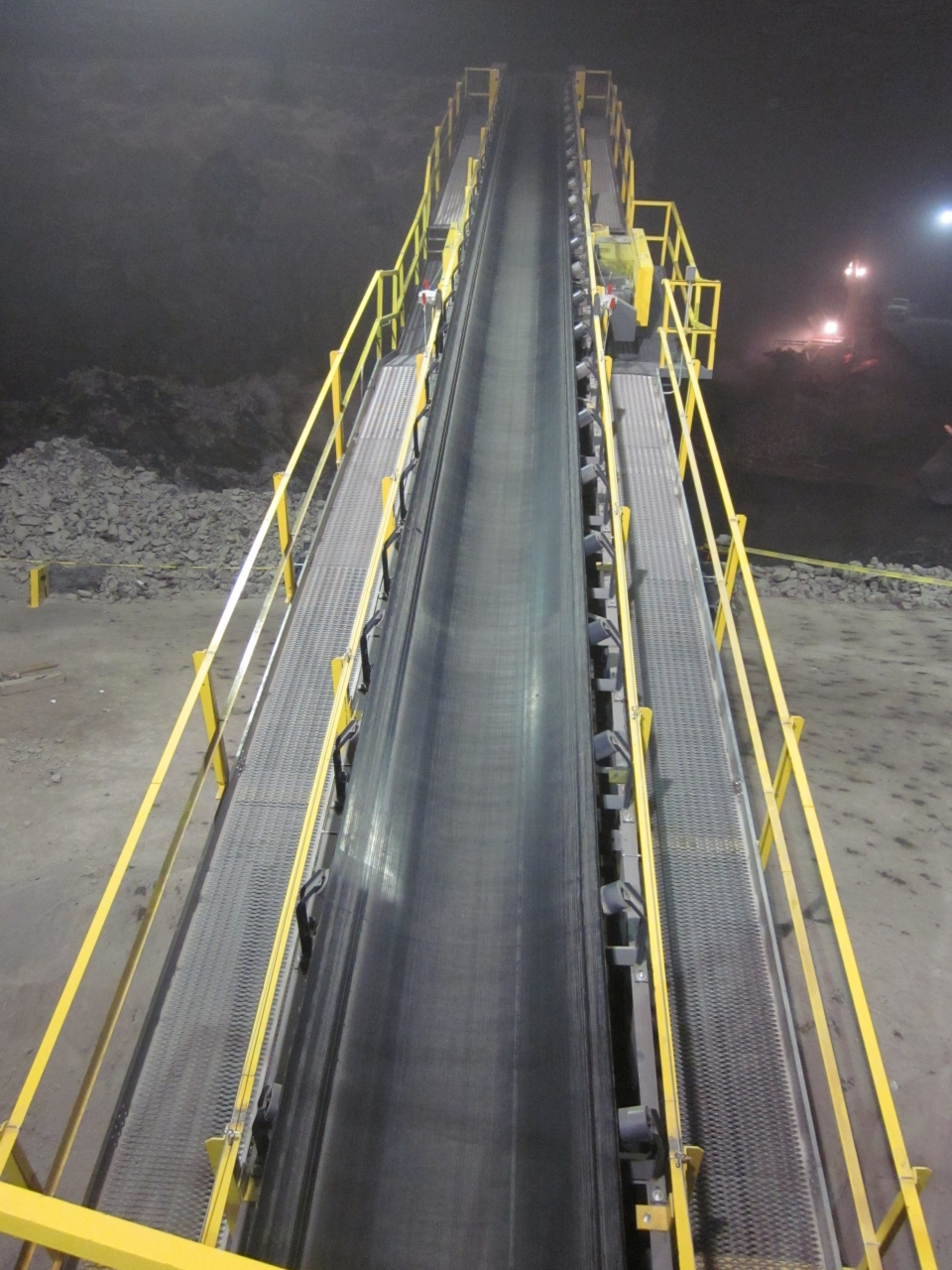 Material Handling Conveyor Belt Systems