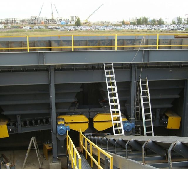 Material Handling Conveyor Equipment - Rail Unloading Conveyor Belt Project Under Constuction